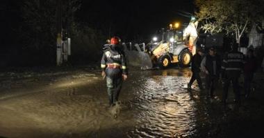 SE RUPE CERUL LA CONSTAN�A / Avertismente ale pompierilor ISU