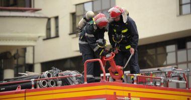 Incendiu într-un apartament din Constanţa. Intervin pompierii