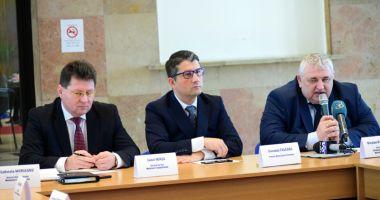 Portuarii construiesc strategia de relansare a transporturilor navale românești