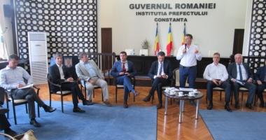 Primarii din Constanţa, întâlnire cu furnizorii de energie electrică şi gaze naturale
