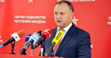 Preşedintele Igor Dodon, întâmpinat cu proteste la venirea de la Moscova