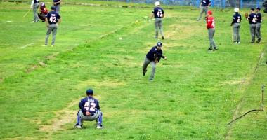 Show la meciul de baseball dintre tricolori  şi Marine Scouts USA