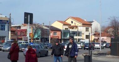Primăria Constanța a dat startul acțiunii de tăiere a cablurilor de pe stâlpi