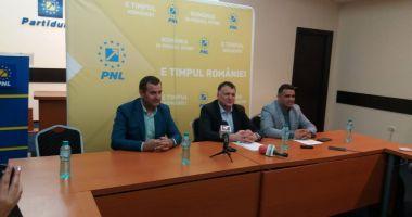 Primarul de la Medgidia, Valentin Vrabie, a bătut palma cu PNL