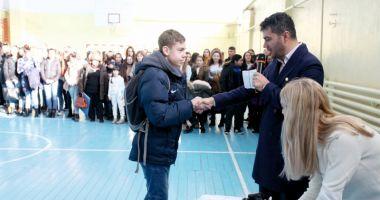 Primarul George Scupra a premiat elevii, sportivii și profesorii merituoși din Ovidiu