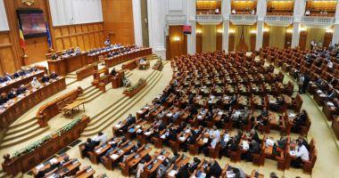 Proiectul legislativ referitor la valabilitatea paşapoartelor, undă verde la Senat