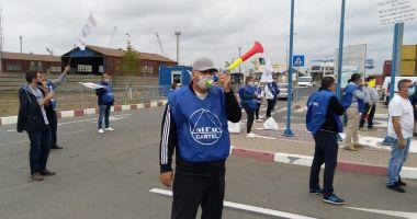 Protestatarii de la ușa companiei CSCT au obținut prima victorie