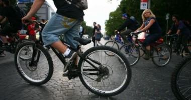 5.000 de bicicliști cer demisia lui Sorin Oprescu