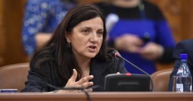 Ministrul Justiției va cere anularea dreptului de reducere a pedepsei pentru deținuții care scriu c�rți