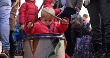 """""""Ancheta privind prezenţa copiilor la proteste, un afront adus bunului simţ"""""""