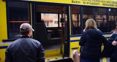 Autobuzele de pe liniile 100 şi 5 - 40 îşi reiau traseul normal