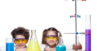 Reacţii chimice spectaculoase  şi multe surprize,  la City Park Mall