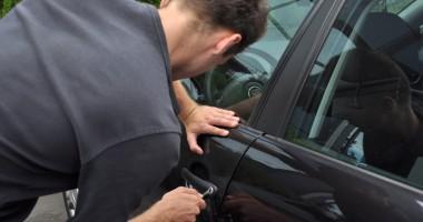 Cum te bagă în bucluc furtul permisului auto