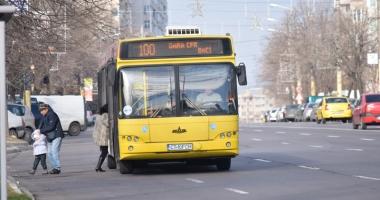 Reduceri la RATC. Cine beneficiază de tarife scăzute la biletele  de autobuz