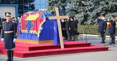 Parastasul de 40 de zile de la moartea regelui Mihai are loc astăzi, la Curtea de Argeş