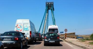 Cum să distrugi turismul în sudul litoralului cu un pod în paragină şi o armată de idioţi