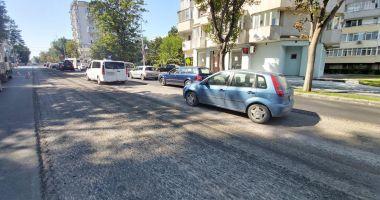 Restricții de trafic pe bulevardul Tomis. Se toarnă asfalt