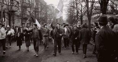 MOMENT ISTORIC! Dosarul Revoluţiei, finalizat după 30 de ani
