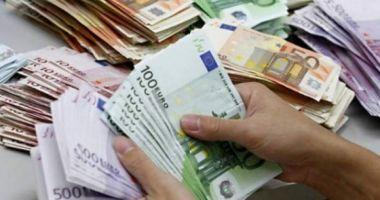 Rezervele valutare ale României sunt în scădere