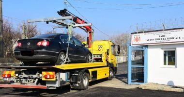 Atenție, șoferi! De astăzi au început să fie ridicate mașinile parcate neregulamentar