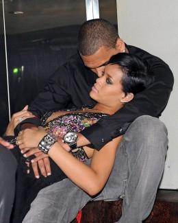 """Rihanna: """"Încă îl iubesc pe Chris Brown"""""""