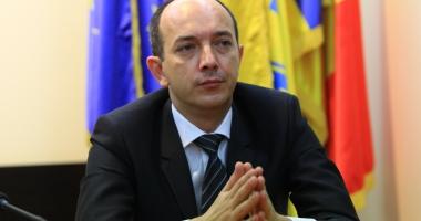 Foto : Liberalul Robert Boroianu doreşte ca toţi românii să beneficieze gratuit de apa potabilă