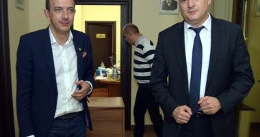 Deputaţii Huţucă şi Boroianu, nemulţumiţi că Dragnea a convocat Parlamentul în acelaşi timp cu Congresul PNL