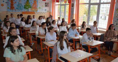 """""""România în sărbătoare"""", proiect şcolar-educaţional"""