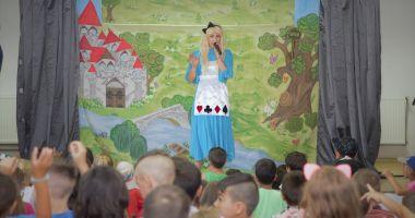 Rompetrol Rafinare a adus zâmbete pe chipurile a peste 800 de copii din mediul rural