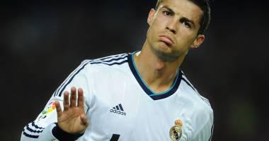 Fotbal: Cristiano Ronaldo și-a dezvelit statuia și efigia, în orașul natal Funchal