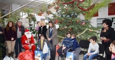 Daruri sub pomul de Crăciun, pentru 10 copii din Cumpăna
