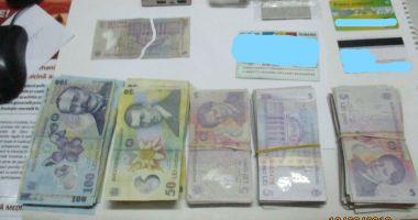 O femeie și-a recuperat rucsacul plin de bani, uitat pe maşină, în Agigea