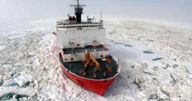 Rusia construieşte şase spărgătoare de gheaţă, dintre care trei nucleare