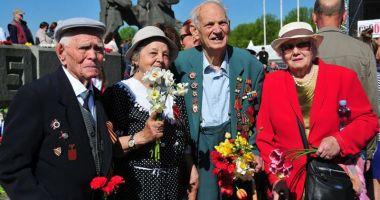 Ruşii din Letonia au sărbătorit  victoria sovieticilor asupra naziştilor