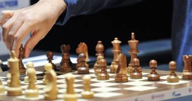 Şah: Selecţionata României joacă cu reprezentativă Chinei la ediţia a VIII-a a Turneului Regilor