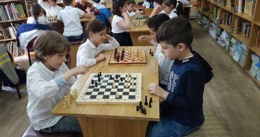"""""""Şahul ca o poveste"""". Concurs de şah pentru copii, la Constanţa"""