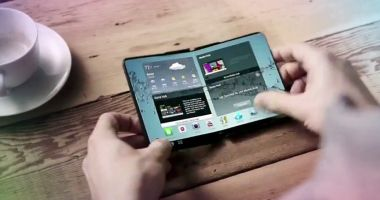 Samsung a prezentat în premieră telefonul pliabil