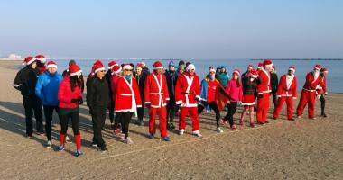 SantaRun! Moş Crăciun a alergat pe plaja din Mamaia