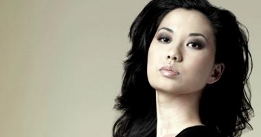 Violonista Sarah Chang şi actorul  Ion Caramitru vor oferi un show  de excepţie,