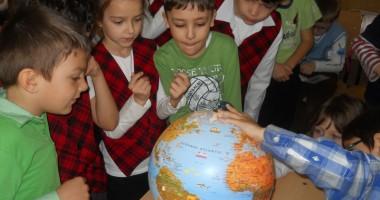"""Cum au sărbătorit Ziua Pământului elevii de la Şcoala """"Dimitrie Cantemir"""""""