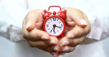 Duminică trecem la ora de vară și dăm ceasurile înainte