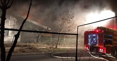 Alertă. Incendiu. A ars sala de sport a unei şcoli