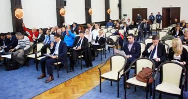 Tensiune maximă la şedinţa Consiliului Local