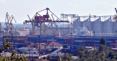 DNA pune tunurile pe Portul Constanţa. Containere