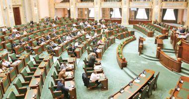 Senat: Medicii se pot pensiona, la cerere, la 67 de ani