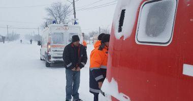 Şenilatele de la Drumuri şi Poduri intervin pentru a prelua urgenţele medicale din satele izolate