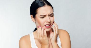 Din ce cauză apare sensibilitatea dentară