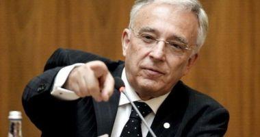 Se prefigurează o nouă revoluție industrială, susține guvernatorul  Mugur Isărescu