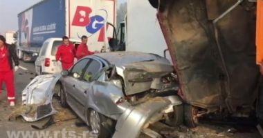 TRAGEDIE în lanţ pe autostradă: cel puţin şase morţi