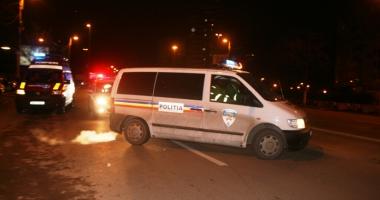 Se zbate �ntre via�� �i moarte. Jandarmi proiecta�i din ma�in� �n urma unui accident rutier grav